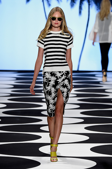 The Salon - Lincoln Center「Nicole Miller - Runway - Mercedes-Benz Fashion Week Spring 2015」:写真・画像(18)[壁紙.com]