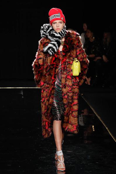 Knit Hat「Versace Fall 2019 - Runway」:写真・画像(16)[壁紙.com]