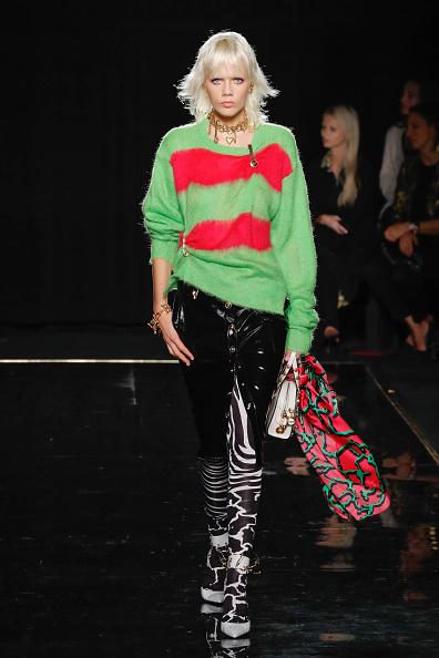 Leggings「Versace Fall 2019 - Runway」:写真・画像(17)[壁紙.com]