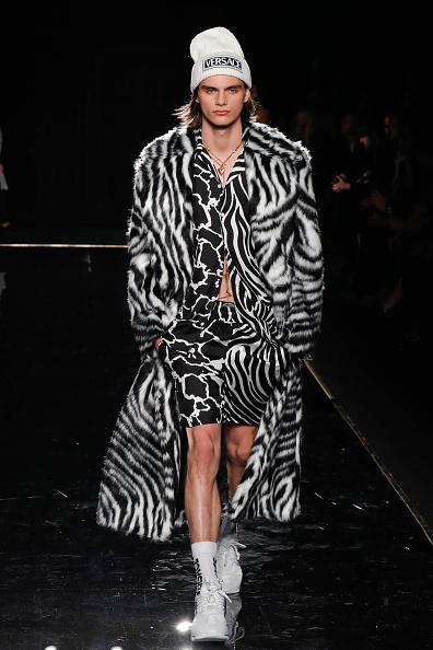 Knit Hat「Versace Fall 2019 - Runway」:写真・画像(15)[壁紙.com]