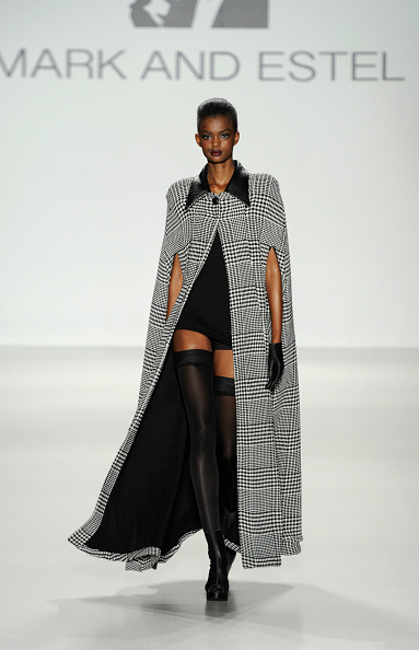 タータンチェック「Mark And Estel - Runway - Mercedes-Benz Fashion Week Fall 2014」:写真・画像(19)[壁紙.com]
