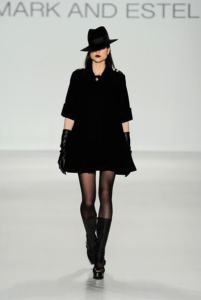 Black Shoe「Mark And Estel - Runway - Mercedes-Benz Fashion Week Fall 2014」:写真・画像(16)[壁紙.com]