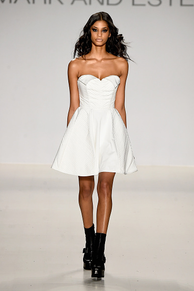 Black Shoe「Mark And Estel - Runway - Mercedes-Benz Fashion Week Fall 2015」:写真・画像(9)[壁紙.com]