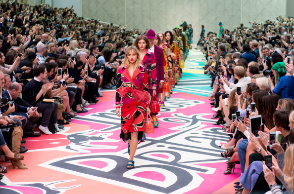 London Fashion Week「Burberry Prorsum Runway - London Fashion Week SS15」:写真・画像(2)[壁紙.com]