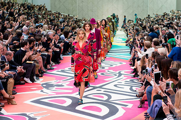 Burberry Prorsum Runway - London Fashion Week SS15:ニュース(壁紙.com)