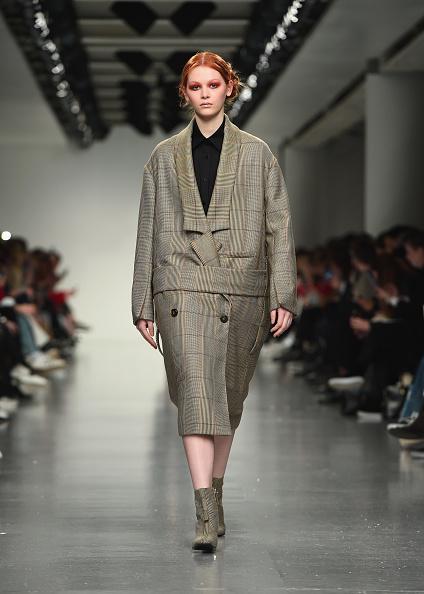 London Fashion Week「J. JS Lee - Runway - LFW February 2017」:写真・画像(14)[壁紙.com]