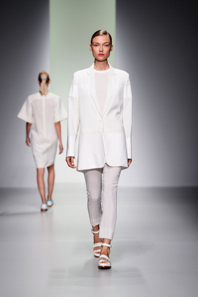 Focus On Foreground「J. JS Lee - Runway: London Fashion Week SS14」:写真・画像(3)[壁紙.com]