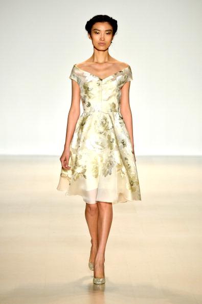 A-Line「Lela Rose - Runway - Mercedes-Benz Fashion Week Fall 2014」:写真・画像(15)[壁紙.com]