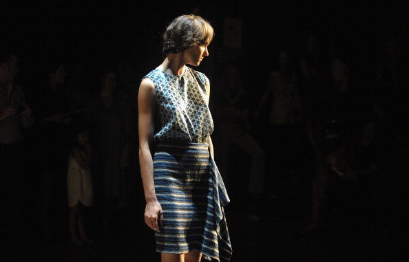 Blouse「Tia Cibani Presents Debut Collection At NYFW」:写真・画像(9)[壁紙.com]