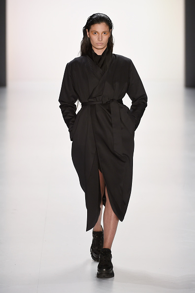 Black Coat「Pearly Wong Show - Mercedes-Benz Fashion Week Berlin Autumn/Winter 2015/16」:写真・画像(11)[壁紙.com]
