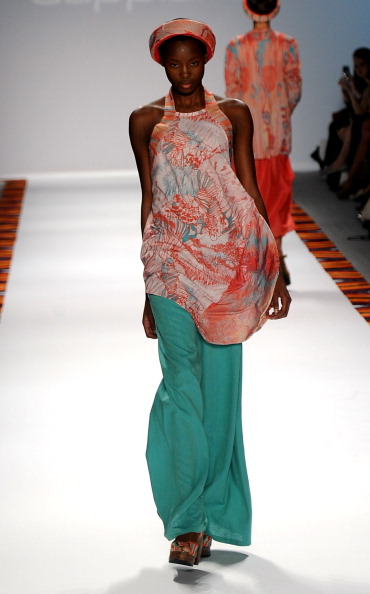 Spring Collection「Mercedes-Benz Fashion Week Spring 2012 - Official Coverage - Best of Runway Day 6」:写真・画像(18)[壁紙.com]