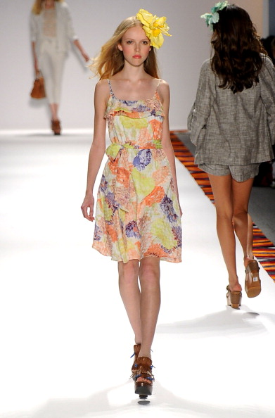 Spring Collection「Mercedes-Benz Fashion Week Spring 2012 - Official Coverage - Best of Runway Day 6」:写真・画像(16)[壁紙.com]