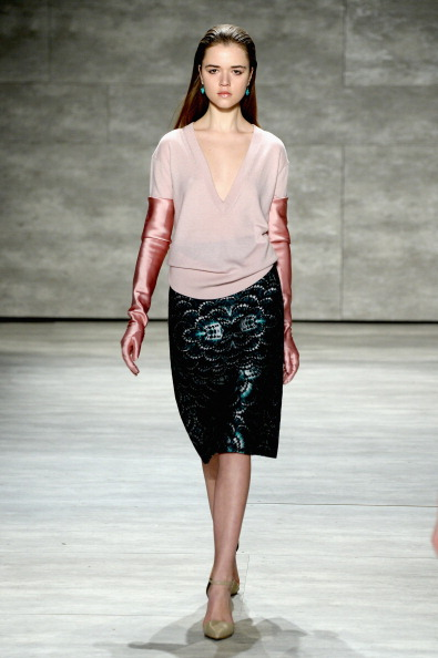 Long Hair「Mercedes-Benz Fashion Week Fall 2014 - Official Coverage - Best Of Runway Day 1」:写真・画像(15)[壁紙.com]