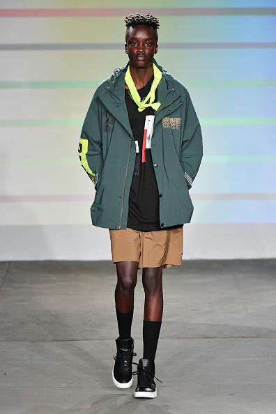 Beige Shorts「Gustav Von Aschenbach - Runway - July 2018 New York City Men's Fashion Week」:写真・画像(18)[壁紙.com]