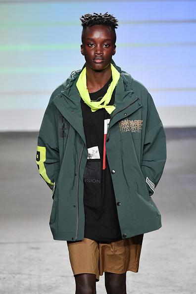 Beige Shorts「Gustav Von Aschenbach - Runway - July 2018 New York City Men's Fashion Week」:写真・画像(17)[壁紙.com]