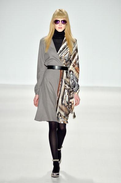 Bangs「Custo Barcelona - Runway - Mercedes-Benz Fashion Week Fall 2014」:写真・画像(2)[壁紙.com]