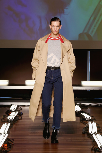 Hands In Pockets「Devon Halfnight Fleflufy - Presentation - Spring 2016 MADE Fashion Week」:写真・画像(3)[壁紙.com]