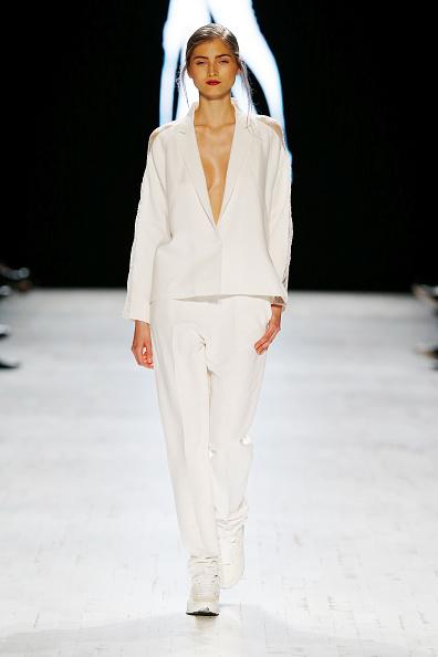 White Pants「Anne Valerie Hash Runway - Mercedes-Benz Fashion Days Zurich 2013」:写真・画像(13)[壁紙.com]