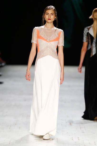 Anne Valerie Hash Runway - Mercedes-Benz Fashion Days Zurich 2013:ニュース(壁紙.com)