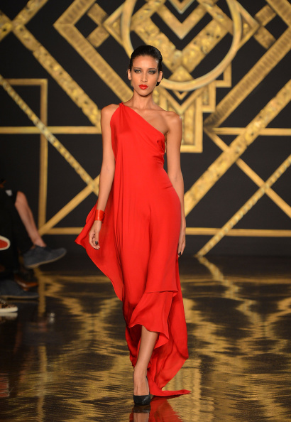 Red Dress「Kithe Brewster - Runway - Mercedes-Benz Fashion Week Spring 2015」:写真・画像(15)[壁紙.com]