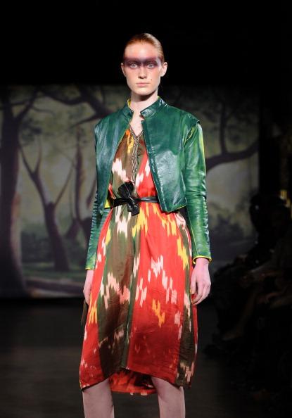 Ikat「Kithe Brewster - Runway - Mercedes-Benz Fashion Week Fall 2014」:写真・画像(0)[壁紙.com]