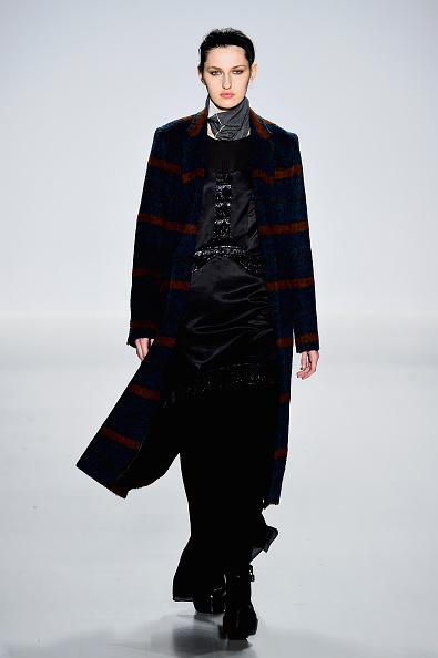 The Salon - Lincoln Center「Richard Chai - Runway - Mercedes-Benz Fashion Week Fall 2015」:写真・画像(1)[壁紙.com]