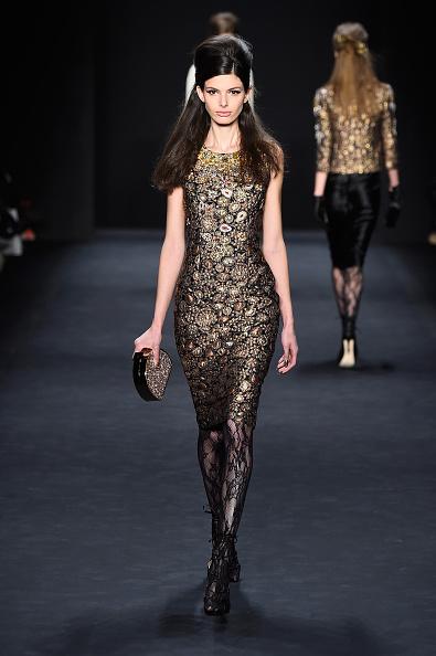 Long Hair「Badgley Mischka - Runway - Mercedes-Benz Fashion Week Fall 2015」:写真・画像(9)[壁紙.com]