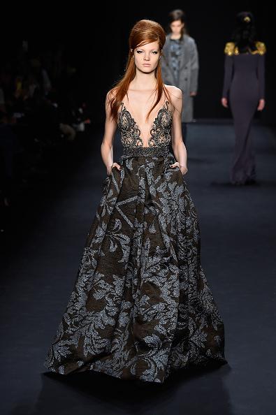 Long Hair「Badgley Mischka - Runway - Mercedes-Benz Fashion Week Fall 2015」:写真・画像(12)[壁紙.com]