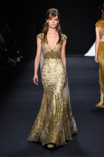 Side Swept Bangs「Badgley Mischka - Runway - Mercedes-Benz Fashion Week Fall 2015」:写真・画像(13)[壁紙.com]