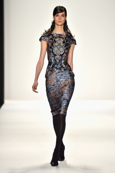 Cap Sleeve「Badgley Mischka - Runway - Mercedes-Benz Fashion Week Fall 2014」:写真・画像(4)[壁紙.com]
