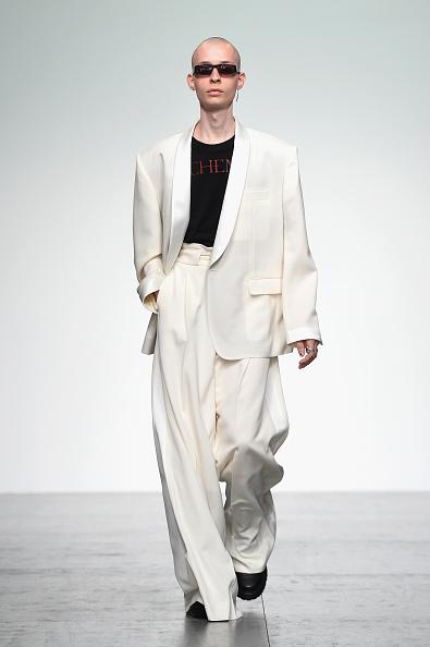 London Fashion Week「John Lawrence Sullivan - Runway - LFWM June 2017」:写真・画像(1)[壁紙.com]