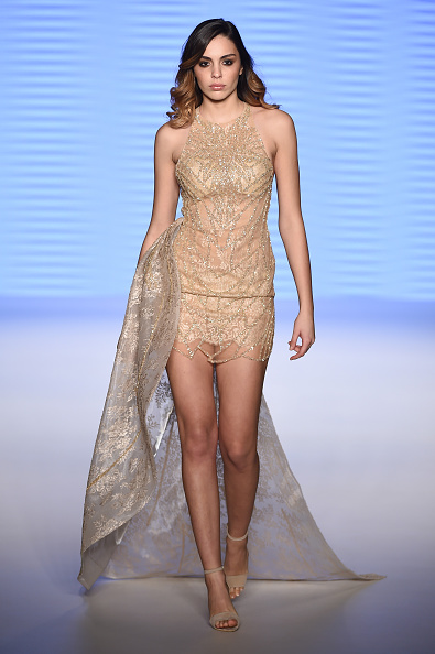 Medium-length Hair「Rasit Bagzibagli Couture Runway - Mercedes-Benz Fashion Week Istanbul Autumn/Winter 2016」:写真・画像(17)[壁紙.com]