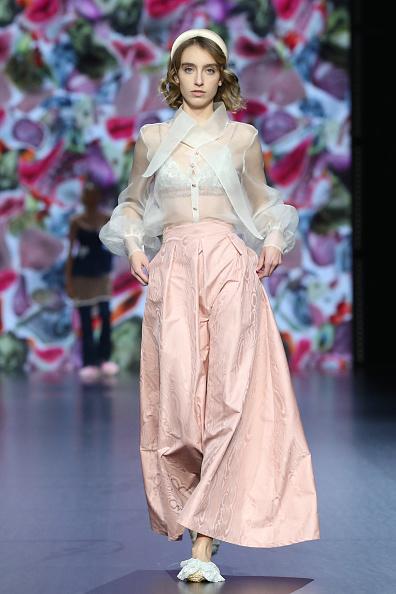 """木目「Altaroma 2021 - """"Rome Is My Runway #3"""" Fashion Show - Runway」:写真・画像(15)[壁紙.com]"""