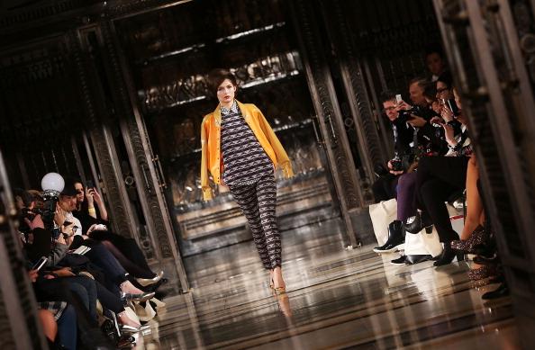 ロンドンファッションウィーク「Ong-Oaj Pairam: Runway - London Fashion Week AW14」:写真・画像(1)[壁紙.com]