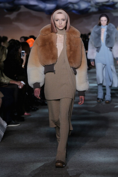 Two Tone - Color「Marc Jacobs - Runway - Mercedes-Benz Fashion Week Fall 2014」:写真・画像(18)[壁紙.com]