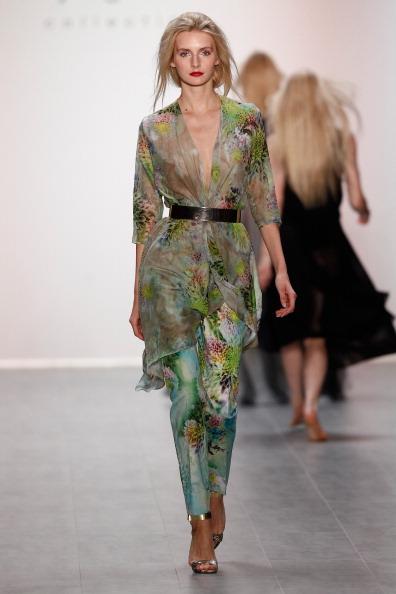 Metallic Shoe「Anja Gockel Show - Mercedes-Benz Fashion Week Spring/Summer 2015」:写真・画像(18)[壁紙.com]