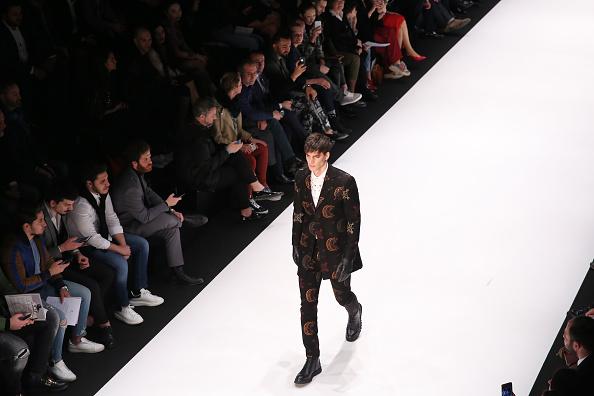 ランウェイ「Climber - Runway - Mercedes-Benz Fashion Week Istanbul - March 2019」:写真・画像(8)[壁紙.com]