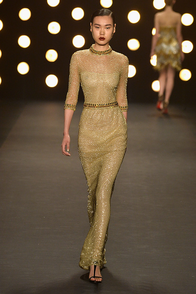 Gold Dress「Mercedes-Benz Fashion Week Fall 2014 - Official Coverage - Best Of Runway Day 6」:写真・画像(16)[壁紙.com]