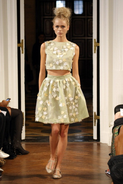 Flared Skirt「Olcay Gulsen - Runway - Spring 2013 Mercedes-Benz Fashion Week」:写真・画像(19)[壁紙.com]