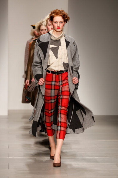 Tartan check「Vivienne Westwood Red Label: Runway - London Fashion Week AW14」:写真・画像(18)[壁紙.com]