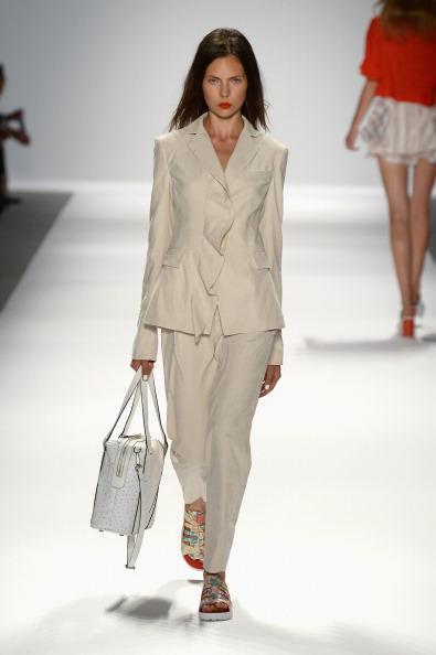 Long Hair「TRESemme at Nanette Lepore - Runway - Mercedes-Benz Fashion Week Spring 2014」:写真・画像(13)[壁紙.com]