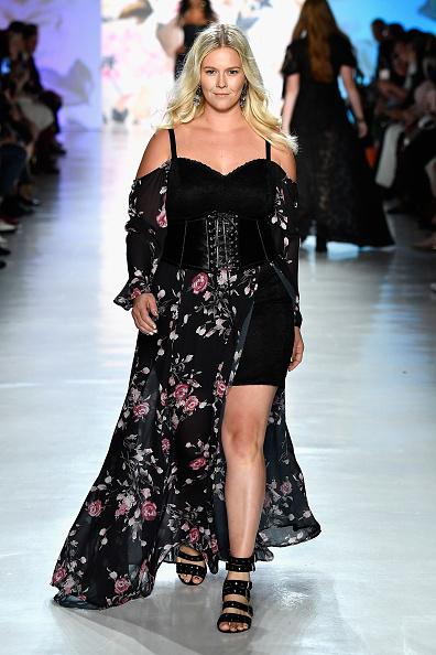 High Low Dress「Torrid - Runway - September 2017 - New York Fashion Week: The Shows」:写真・画像(9)[壁紙.com]