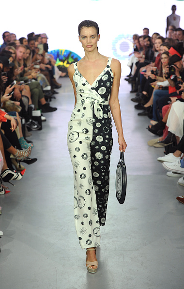 London Fashion Week「Gyunel - Runway - LFW SS16」:写真・画像(19)[壁紙.com]