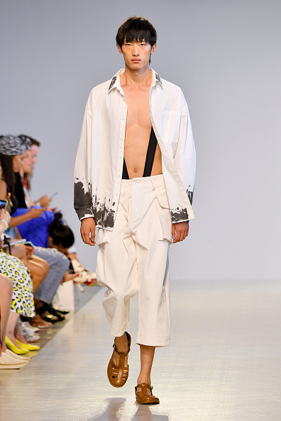 Fully Unbuttoned「TMall China Cool: Threegun - Runway - September 2019 - New York Fashion Week: The Shows」:写真・画像(4)[壁紙.com]
