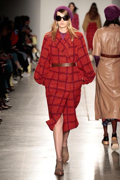 Chelsea Piers「Karen Walker - Runway - Fall 2016 New York Fashion Week」:写真・画像(9)[壁紙.com]