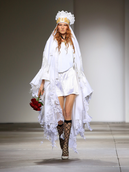 Headwear「Fashion East: Runway - London Fashion Week SS15」:写真・画像(17)[壁紙.com]