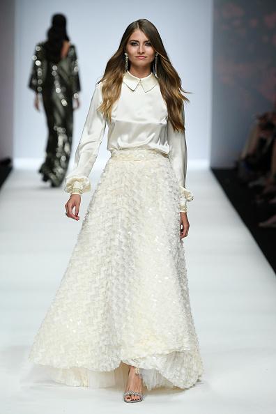 White Skirt「Guido Maria Kretschmer - Show - Berlin Fashion Week Spring/Summer 2020」:写真・画像(2)[壁紙.com]