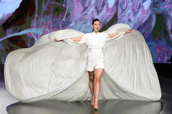 Slit - Clothing「Jordan Fashion Week 019 - Lindt Chocolate Couture」:写真・画像(14)[壁紙.com]