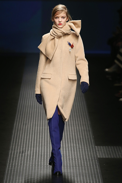 スカーフ「MSGM - Runway - Runway & Close-ups - MFW FW2015」:写真・画像(10)[壁紙.com]