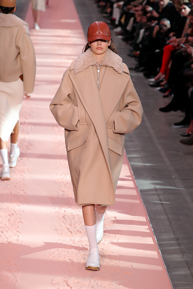 Coat - Garment「Sportmax - Runway: Milan Fashion Week Autumn/Winter 2019/20」:写真・画像(17)[壁紙.com]